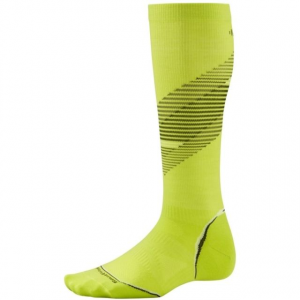 smartwool phd run graduated compression ultra light sock - men's-smartwool green pattern-small- Save 49% Off - Smartwool Footwear PhD Graduated Compression Ultra Light Sock - Men's- Green Pattern-Small. This ultra light cushioned sock protects against shock and abrasion.