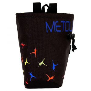 metolius chalk pod chalk bag- Save 25% Off - Features of the Metolius Chalk Pod - Chalk Bag Ergonomic cut combined with large volume Full-length pile lining Stiff, easy access rim Brush holder Includes belt with side-release buckle Rear zippered pocket for MP3 player
