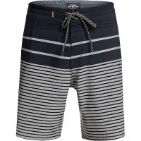 Quiksilver Men's Liberty Stripe Beachshort 19 - 38 - Cardinal