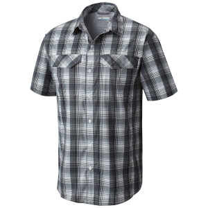 The ideal shirt to tackle any trail. This short-sleeve plaid features wicking fabric, UPF 40 sun...
