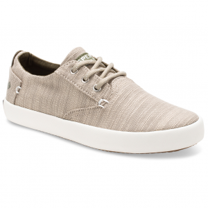 Upgrade his classic style with these comfortable boy\\\'s boat shoes from Sperry. They feature...