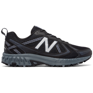 Hit the trail with confidence wearing these 410v5 trail running shoes from New Balance. Designed...