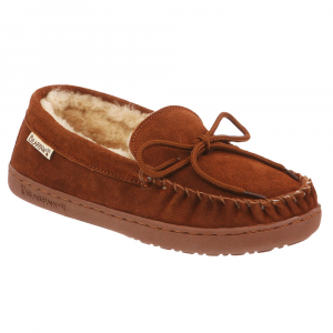 Slide on these moccasin-style slippers to keep your feet warm on a cold night. With cow suede...