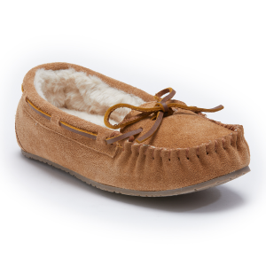 Get warm foot comfort in this women\\\'s slipper from Minnetonka Moccasins. Soft suede covers the...